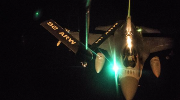US F-16 Fighting Falcon receives fuel (inherent resolve)