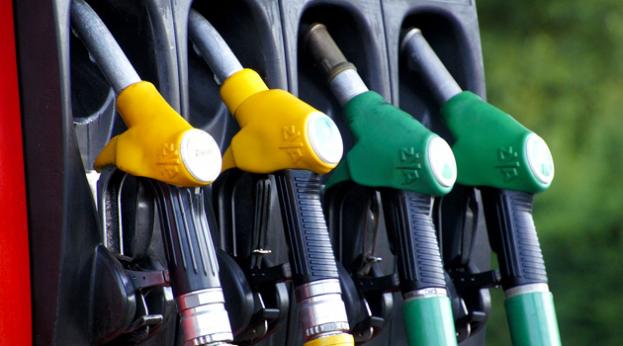 petrol pump, filling station (Pixabay)